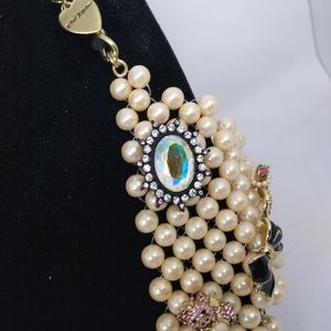 Betsey Johnson Jewelry - Betsey Johnson Faux Pearl Bowtie Necklace